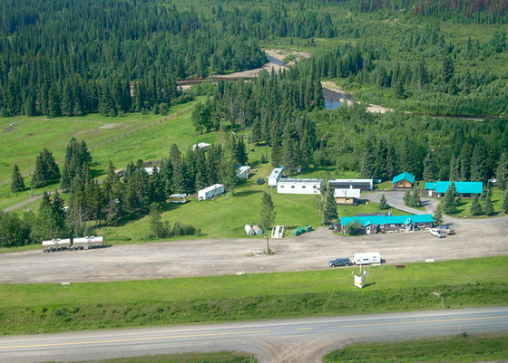 Buckinghorse River Lodge - Alaska Highway, Pink Mountain