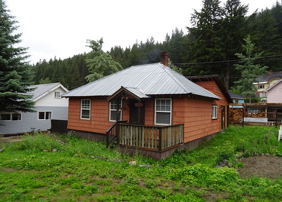 Corner Lot 2 Bedroom Home with Garage and Workshop - Bralorne, BC