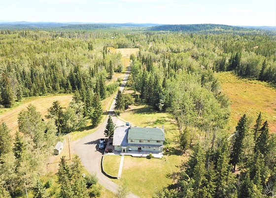 Large Private Country Estate - 100 Mile House, BC