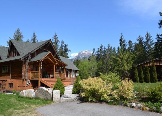 Pan Abode Cedar Home - Hagensborg/Bella Coola, BC