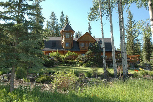 Multi-Home Estate in Private Valley - West Fraser Road - Quesnel/Williams Lake
