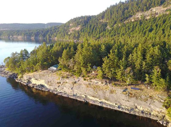 Gulf Island Waterfront with Moorage near Montague Harbor - Galiano Island