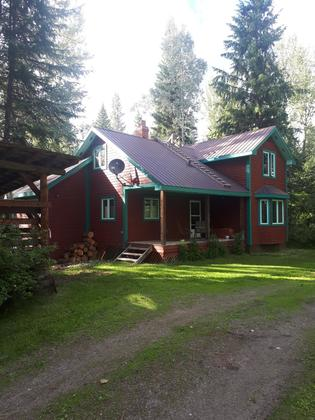Riverfront Acreage and Family Home - Cottonwood River - Quesnel, BC
