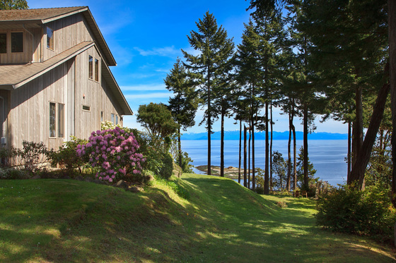 Trophy West Coast Oceanfront Property - Gabriola Island, BC