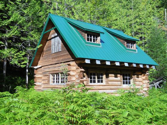 Thumb cedarvale log cabin 01