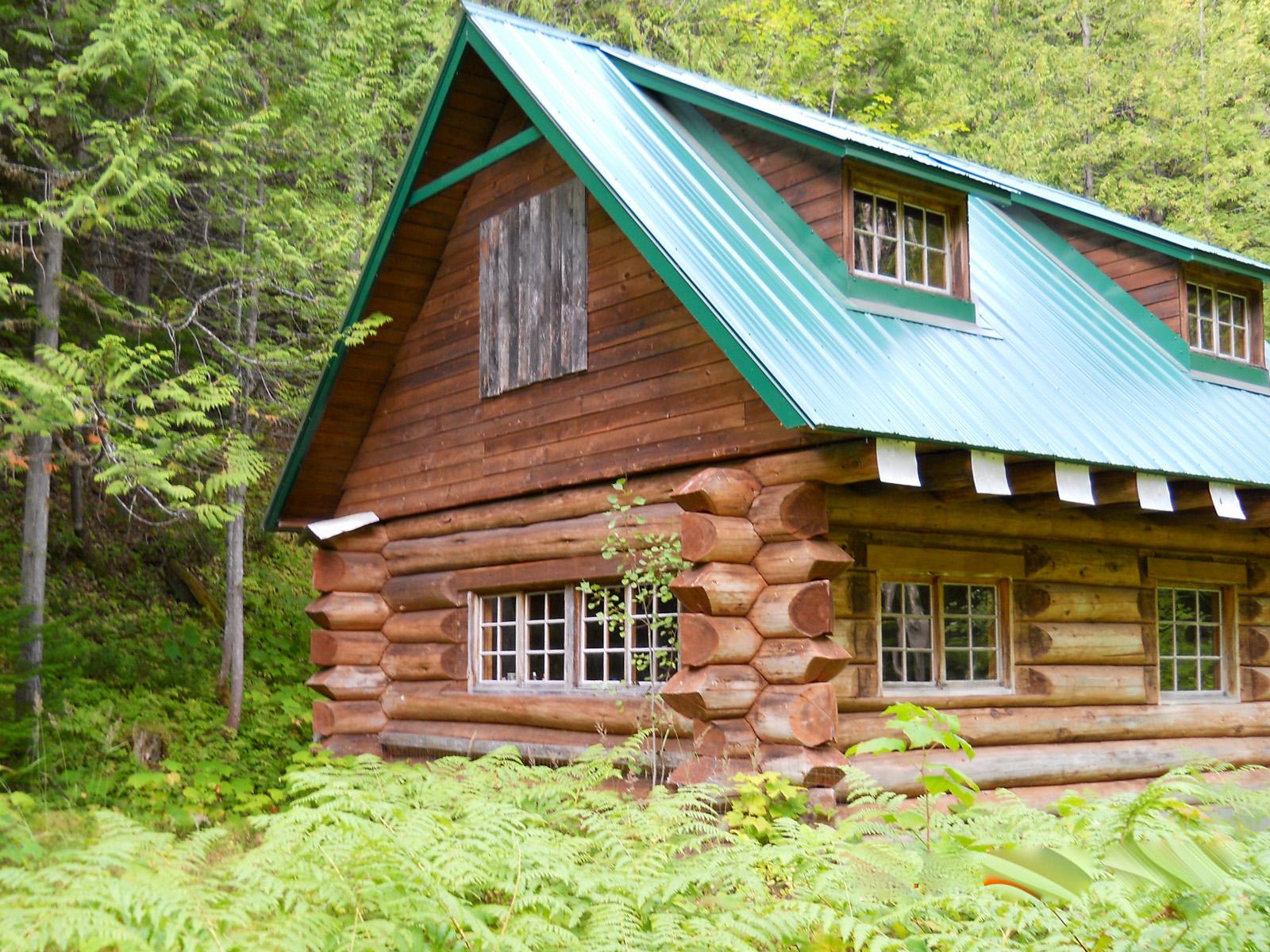 Cedarvale log cabin 02