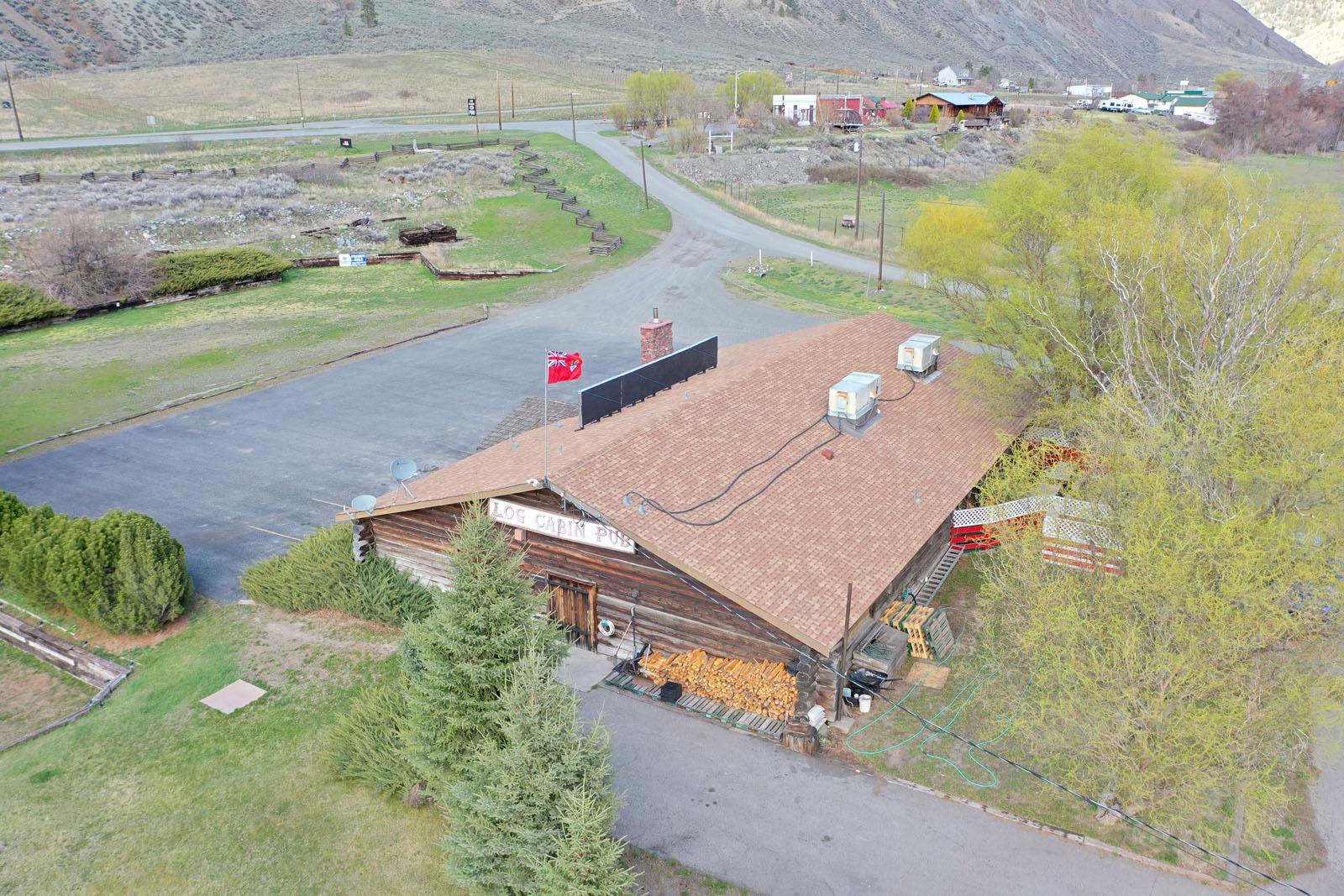 Log cabin pub 11