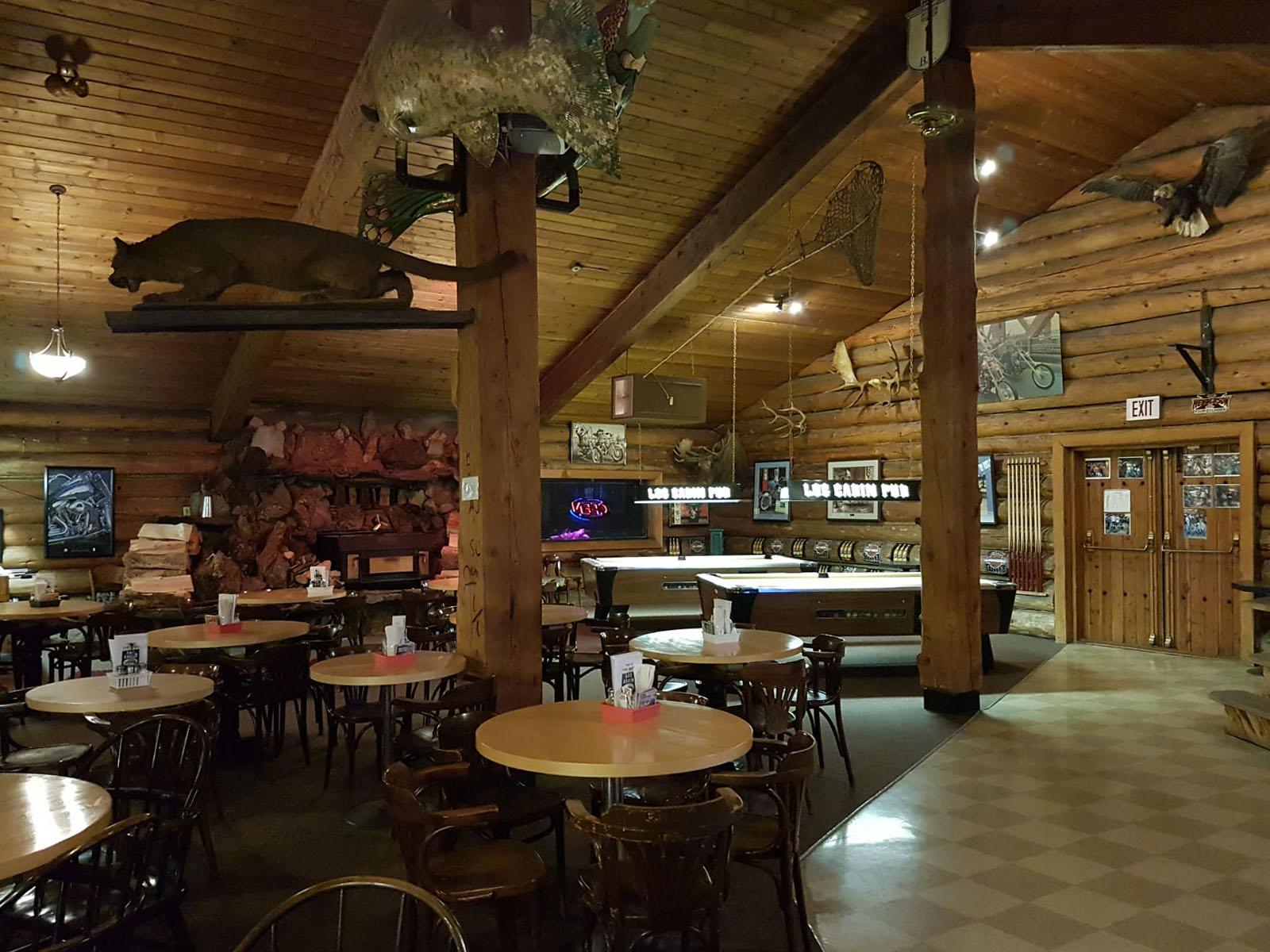 Log cabin pub 20