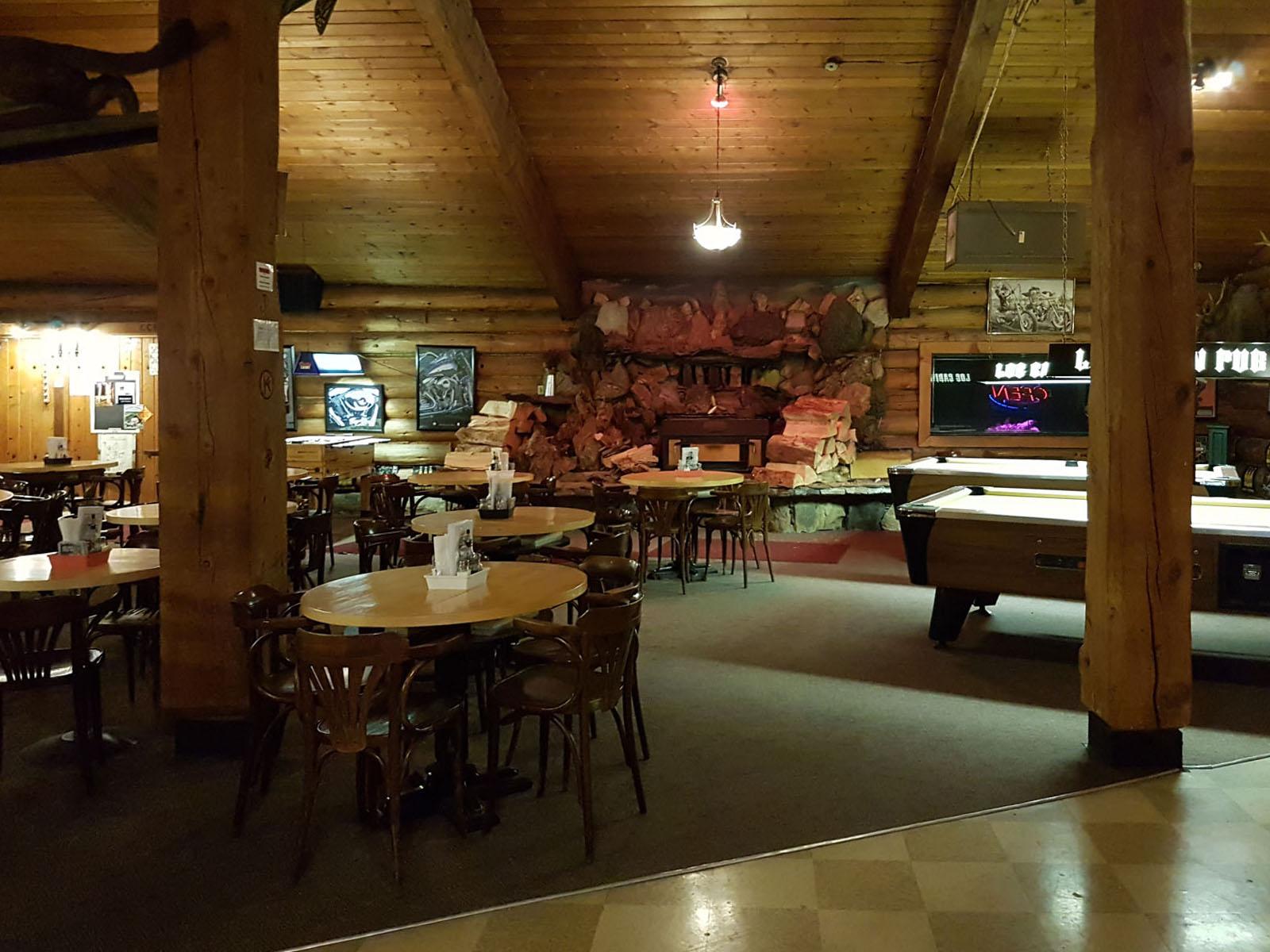 Log cabin pub 21