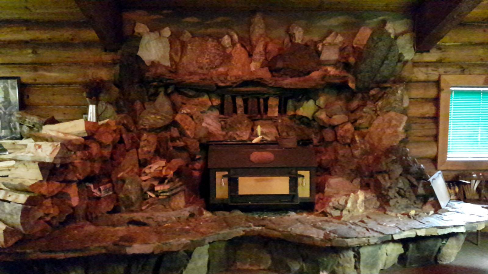 Log cabin pub 23