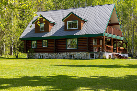 Log Home on 5 Riverfront Acres - Robson Valley