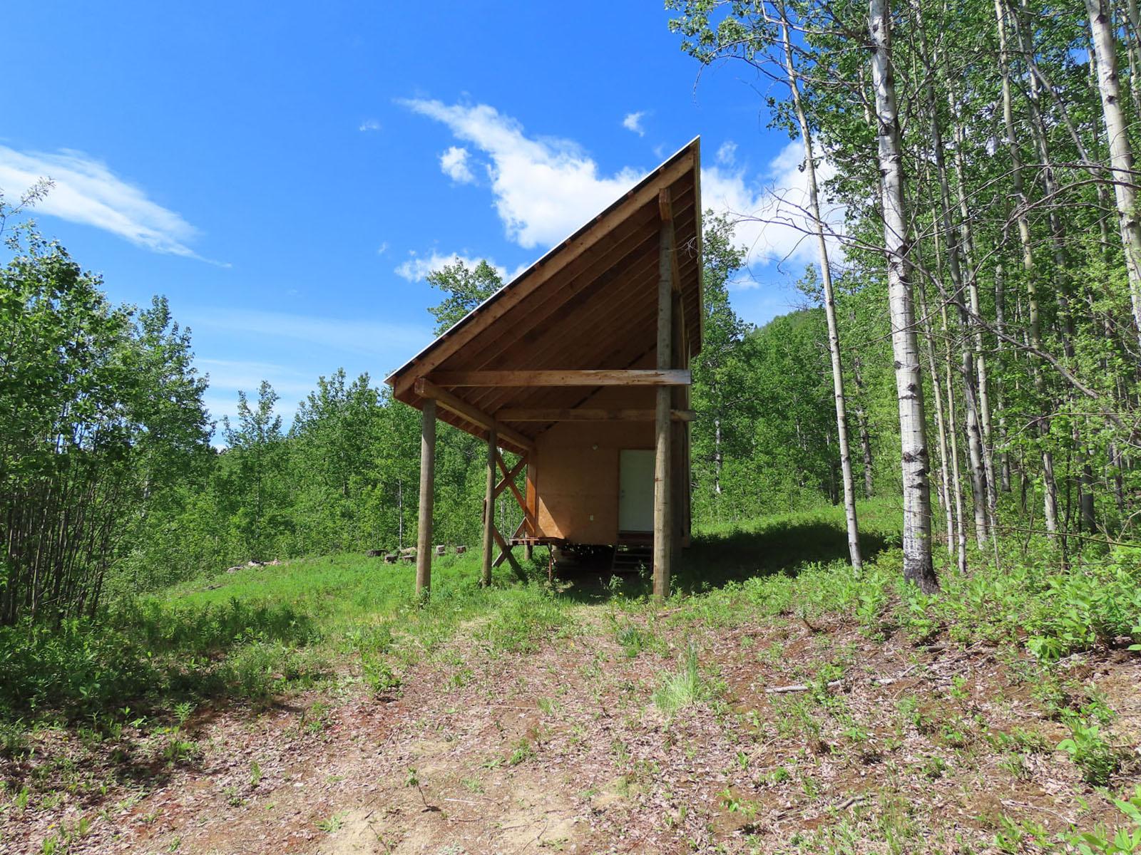 Moberly lake cabin 37