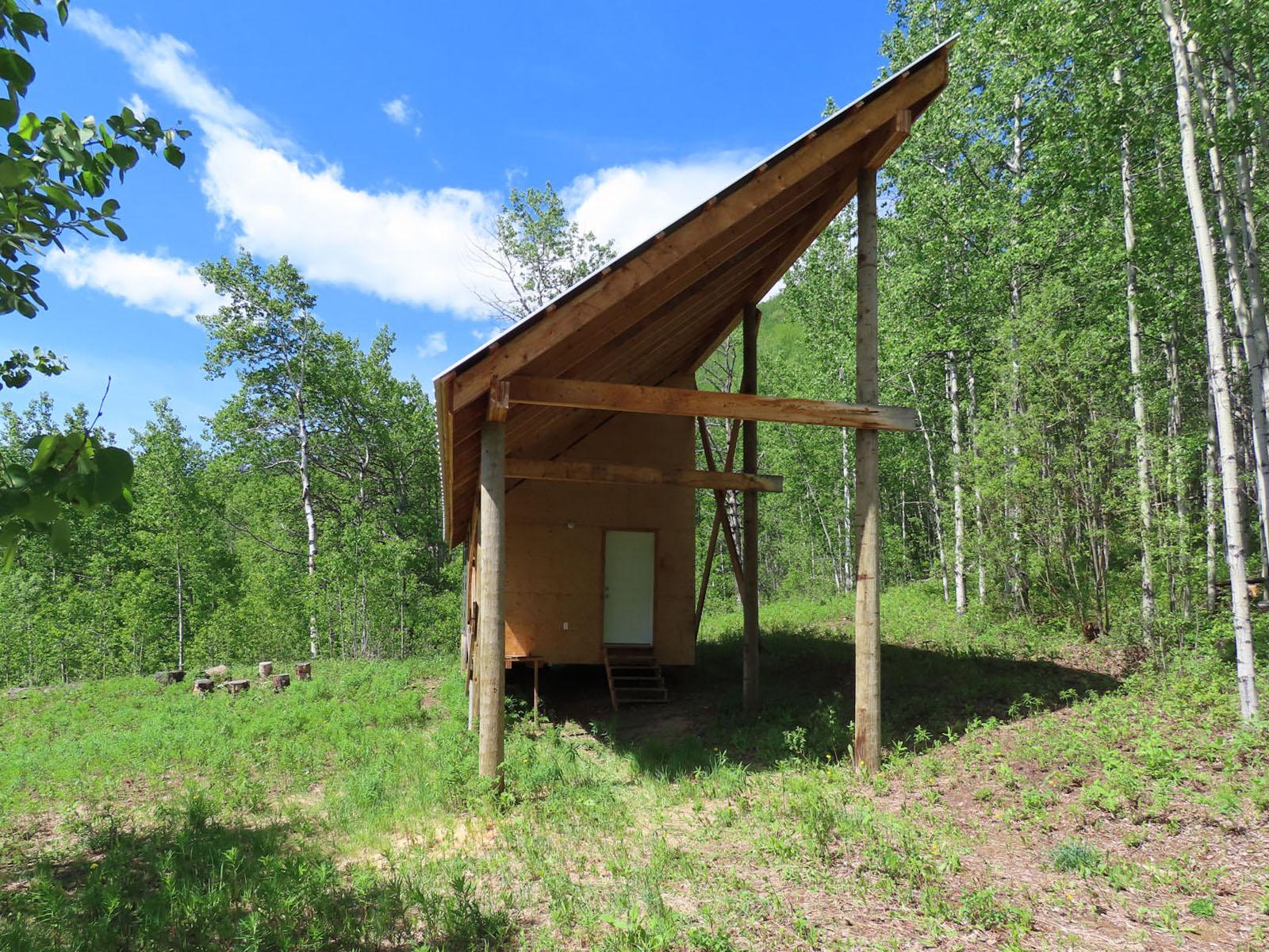 Moberly lake cabin 38