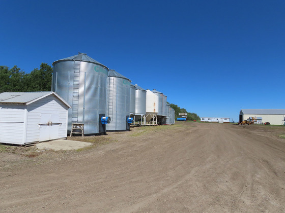 Thumb fort st john grain farm 043