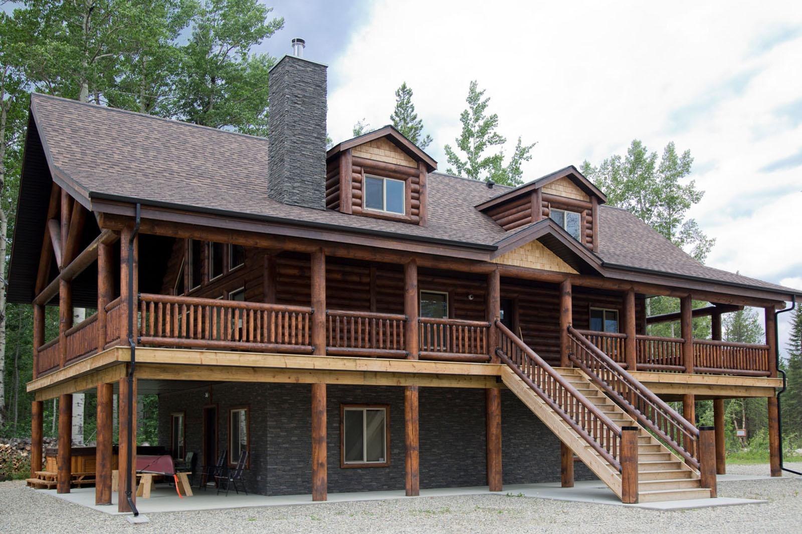 Valemount log cabin 02