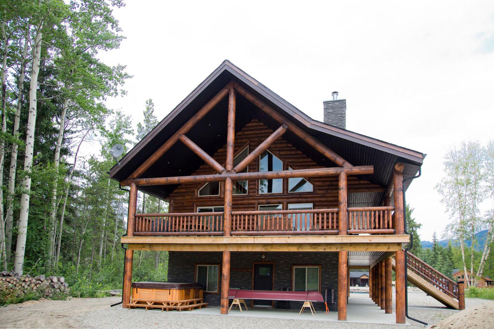 Valemount log cabin 04