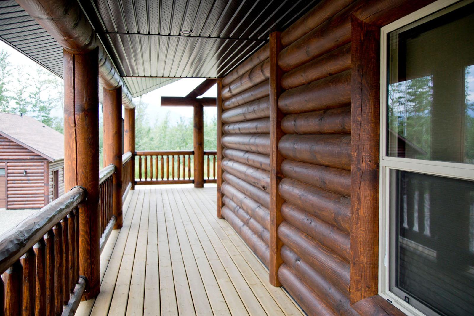 Valemount log cabin 07