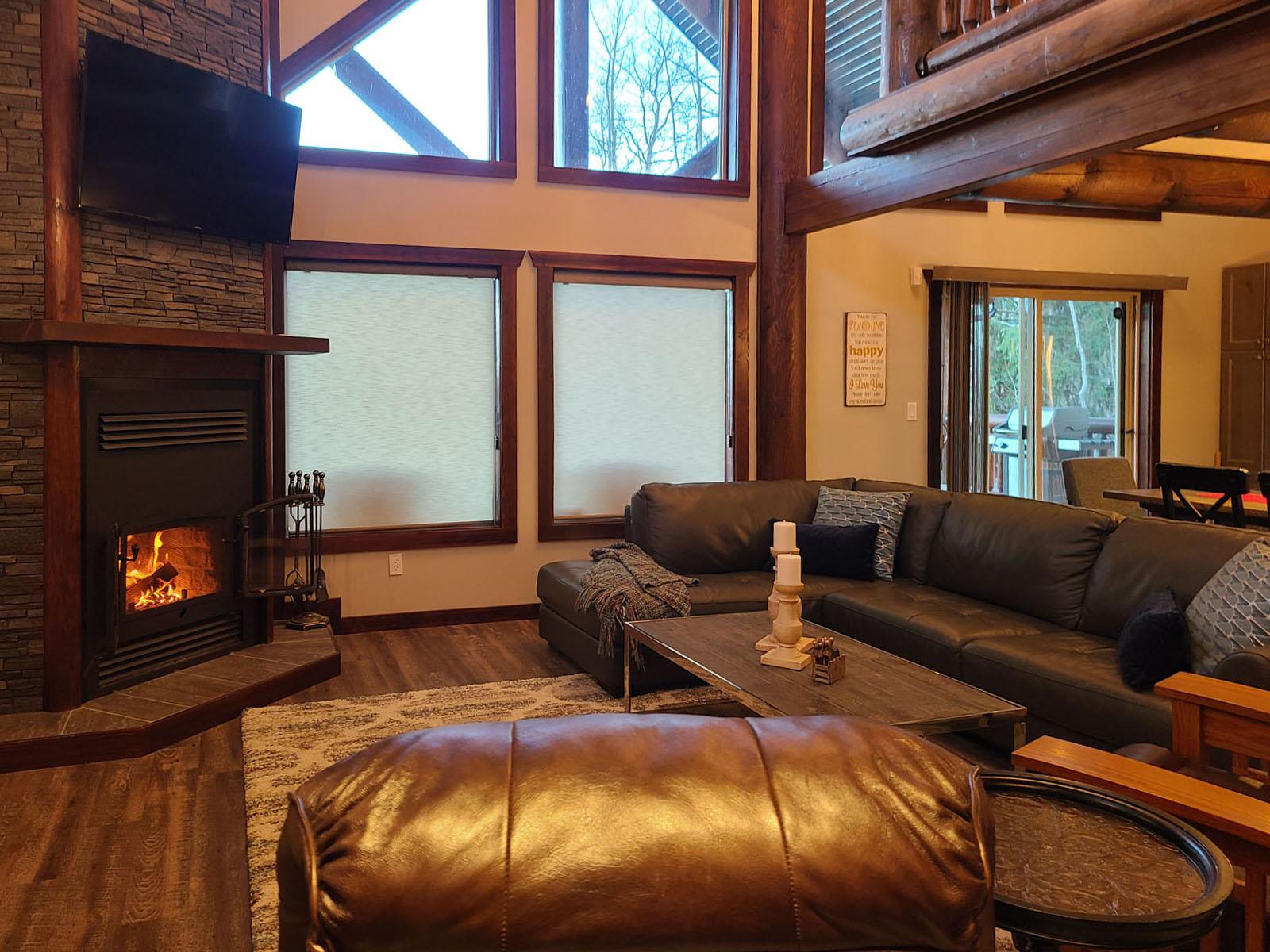 Valemount log cabin 09