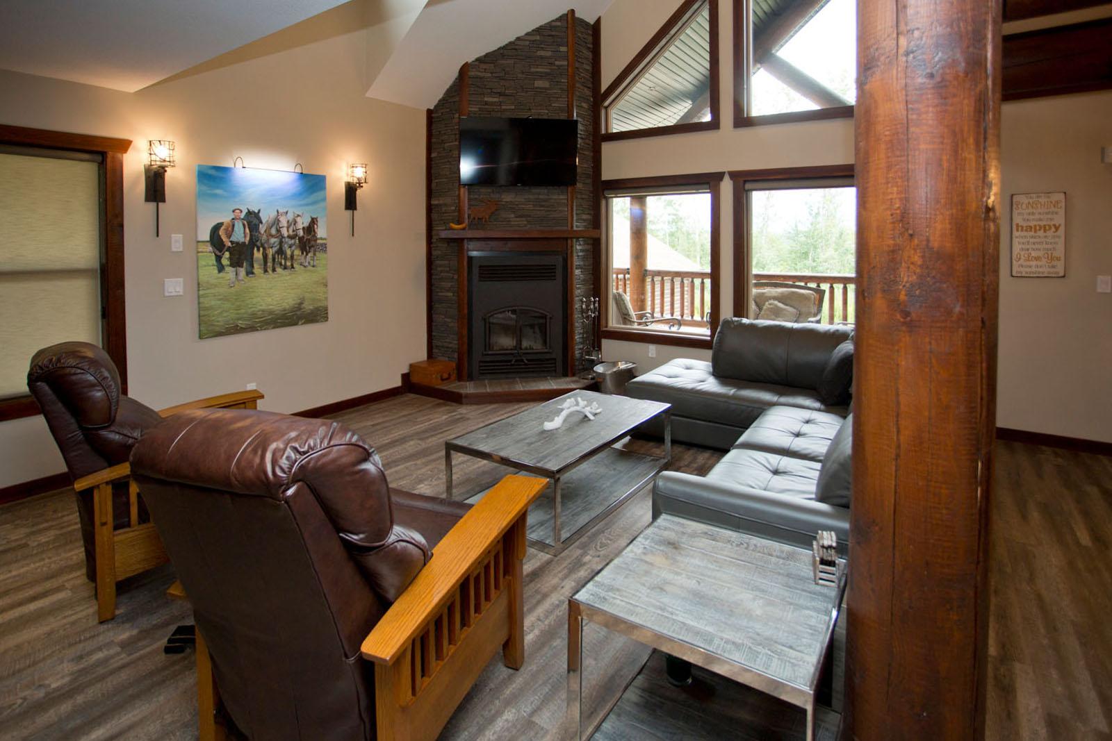 Valemount log cabin 10