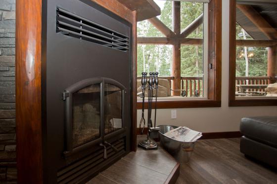 Thumb valemount log cabin 11