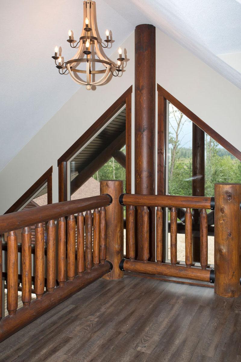 Valemount log cabin 24