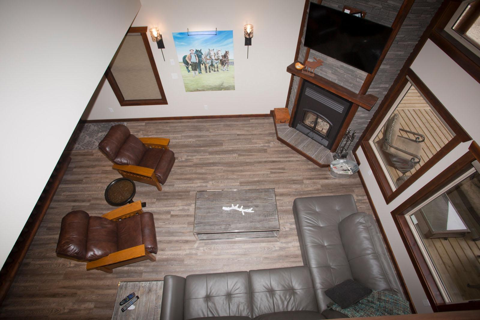Valemount log cabin 25