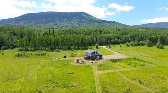 Thumb lone prairie country home 17