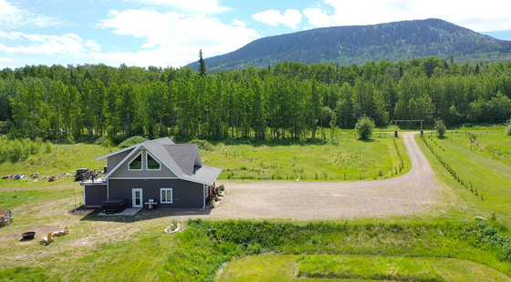 Thumb lone prairie country home 28