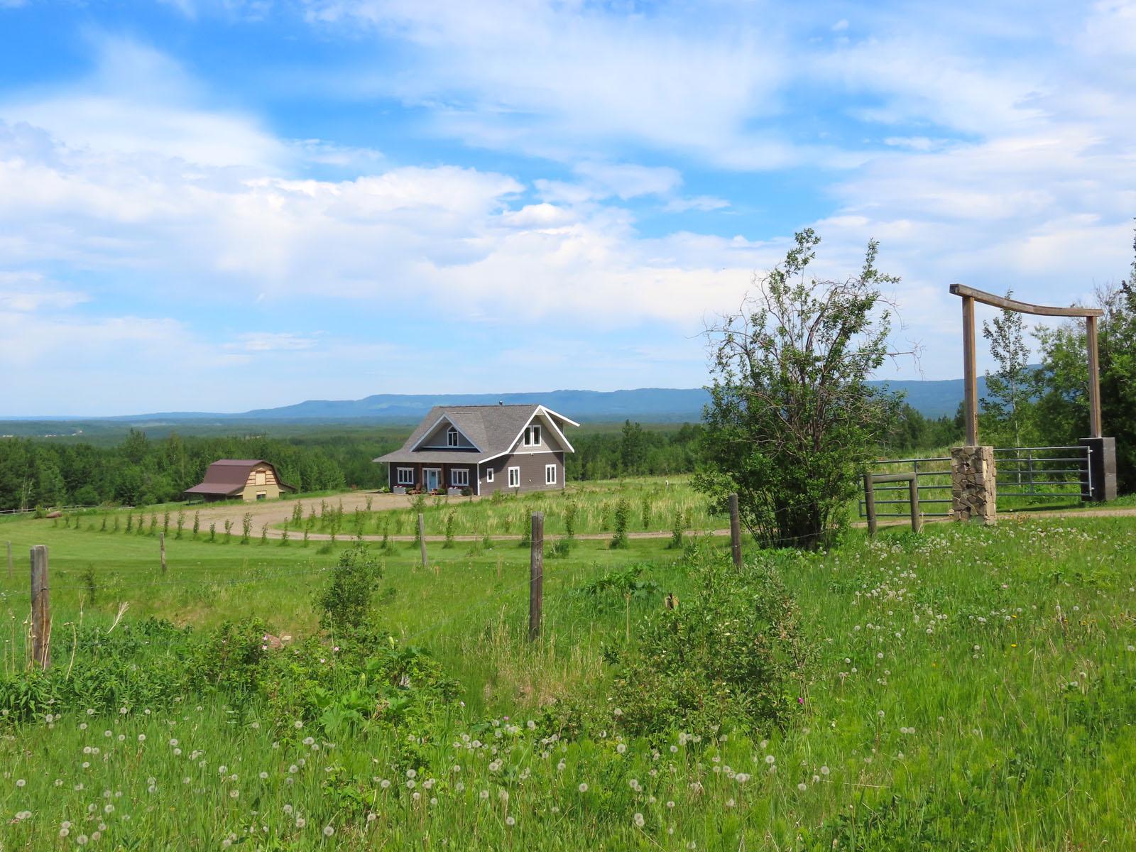 Lone prairie country home 29