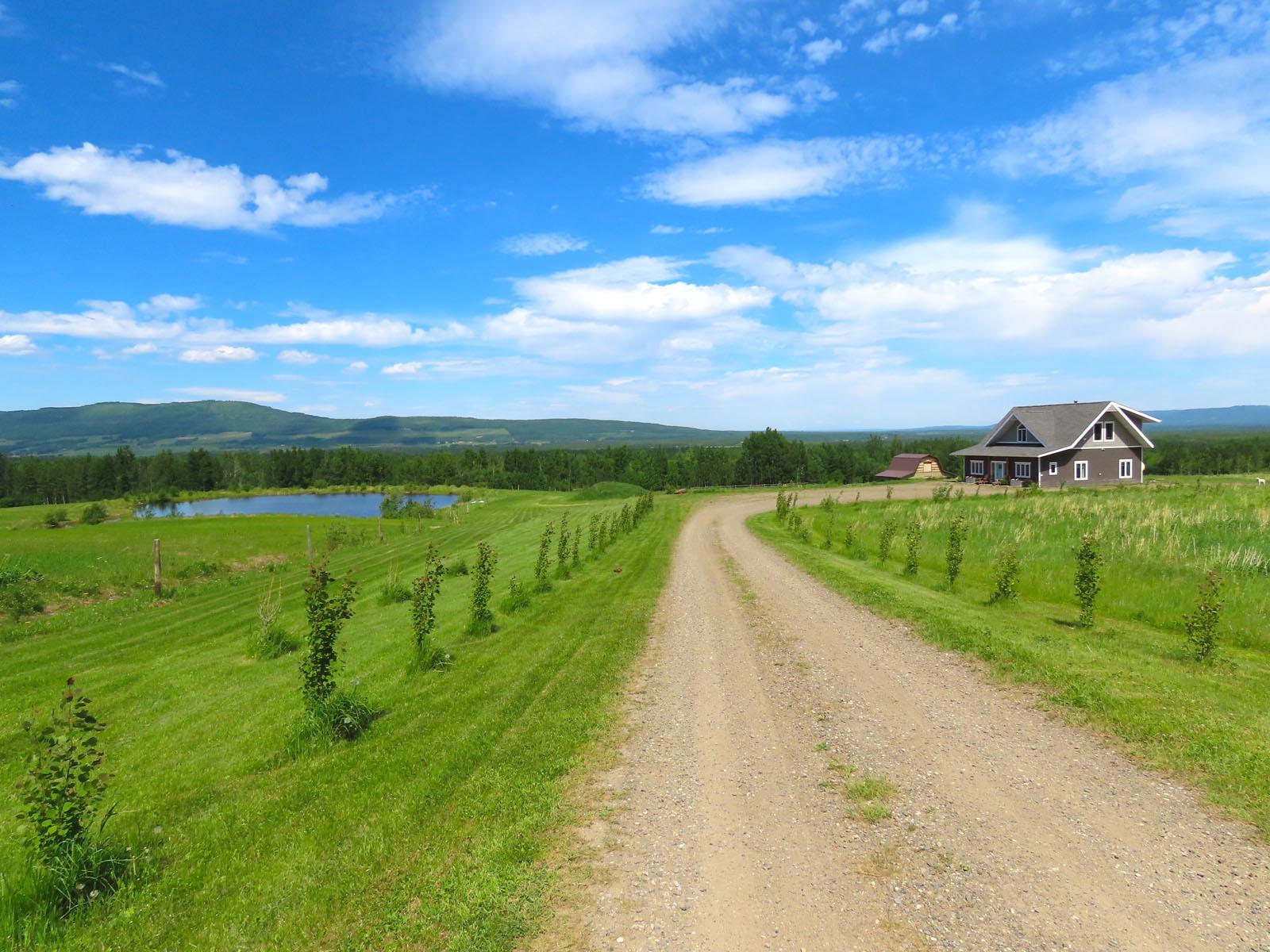 Lone prairie country home 38