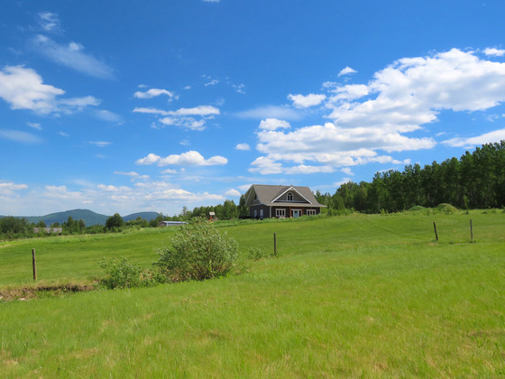 Thumb lone prairie country home 39