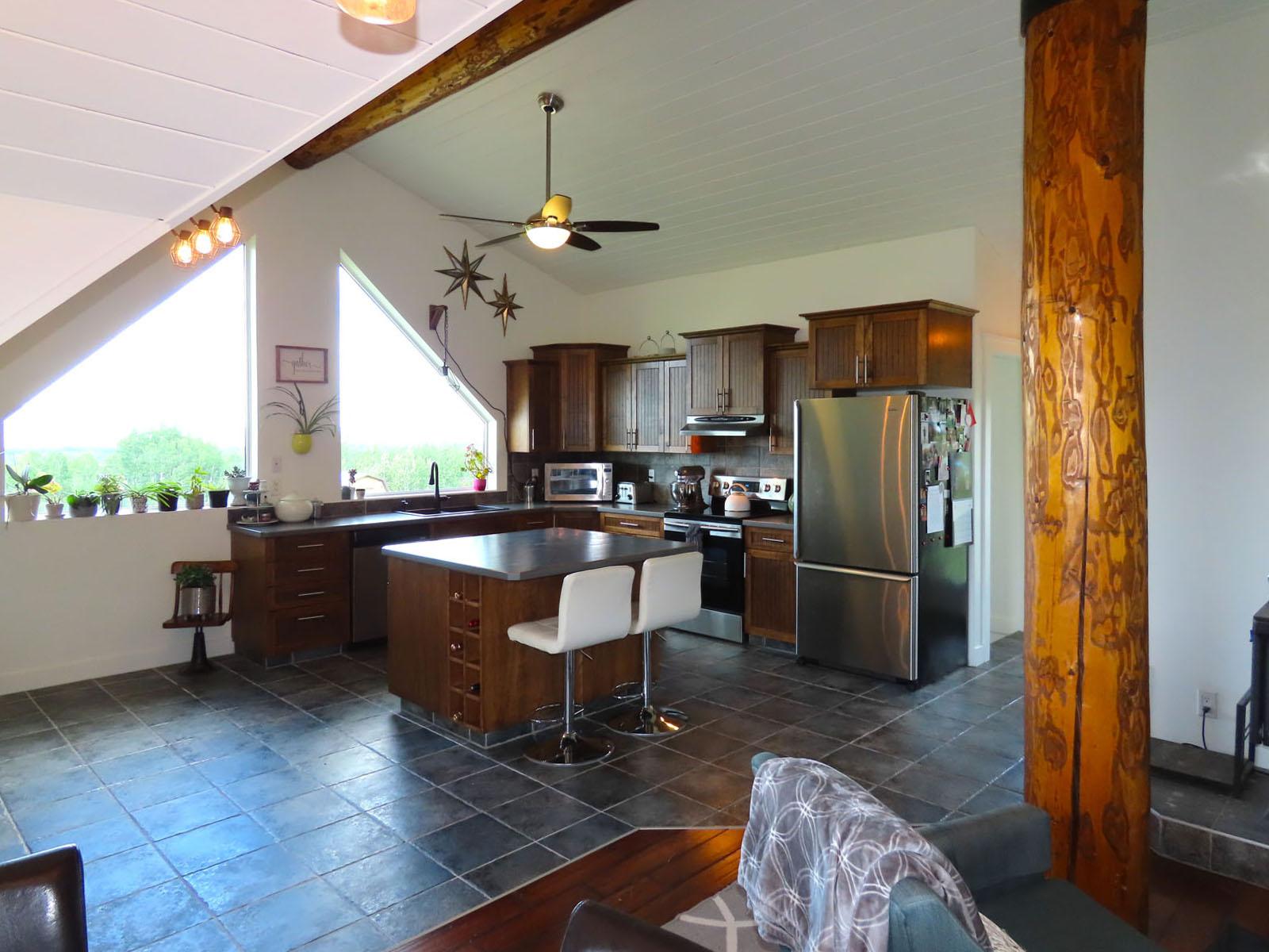 Lone prairie country home 46