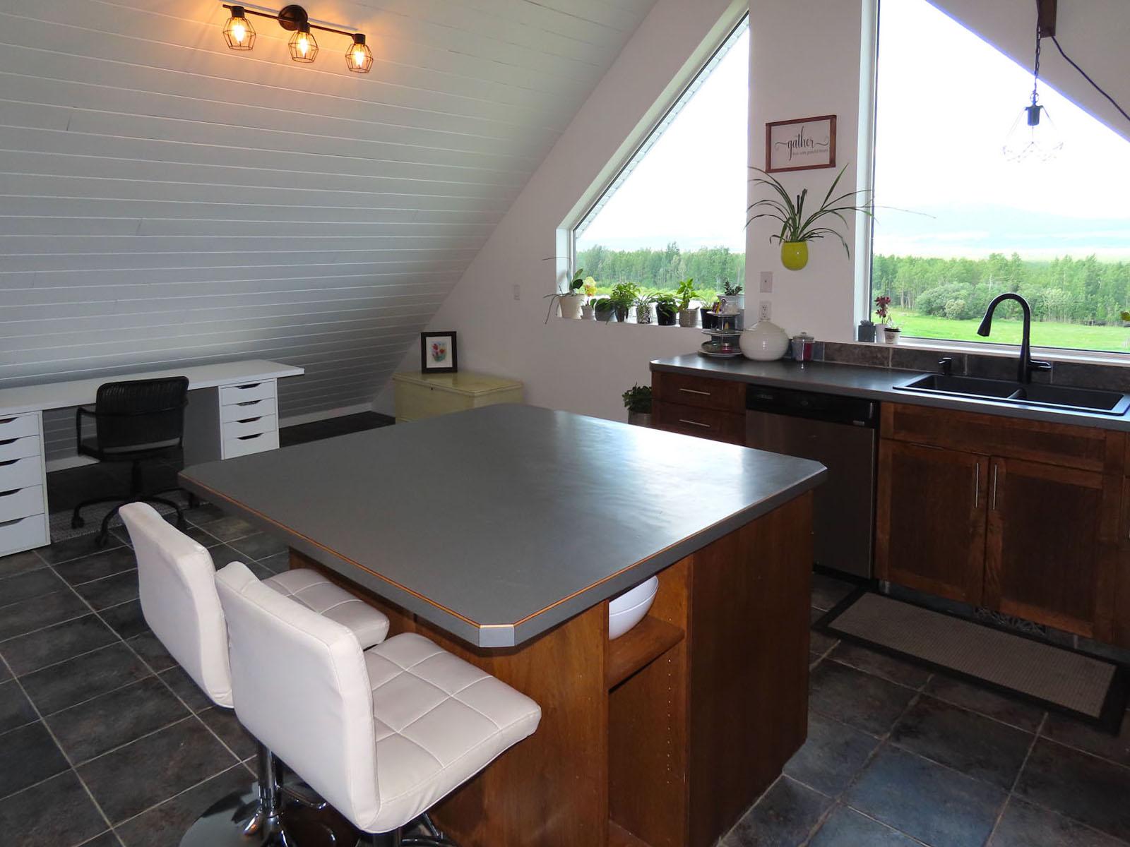 Lone prairie country home 52