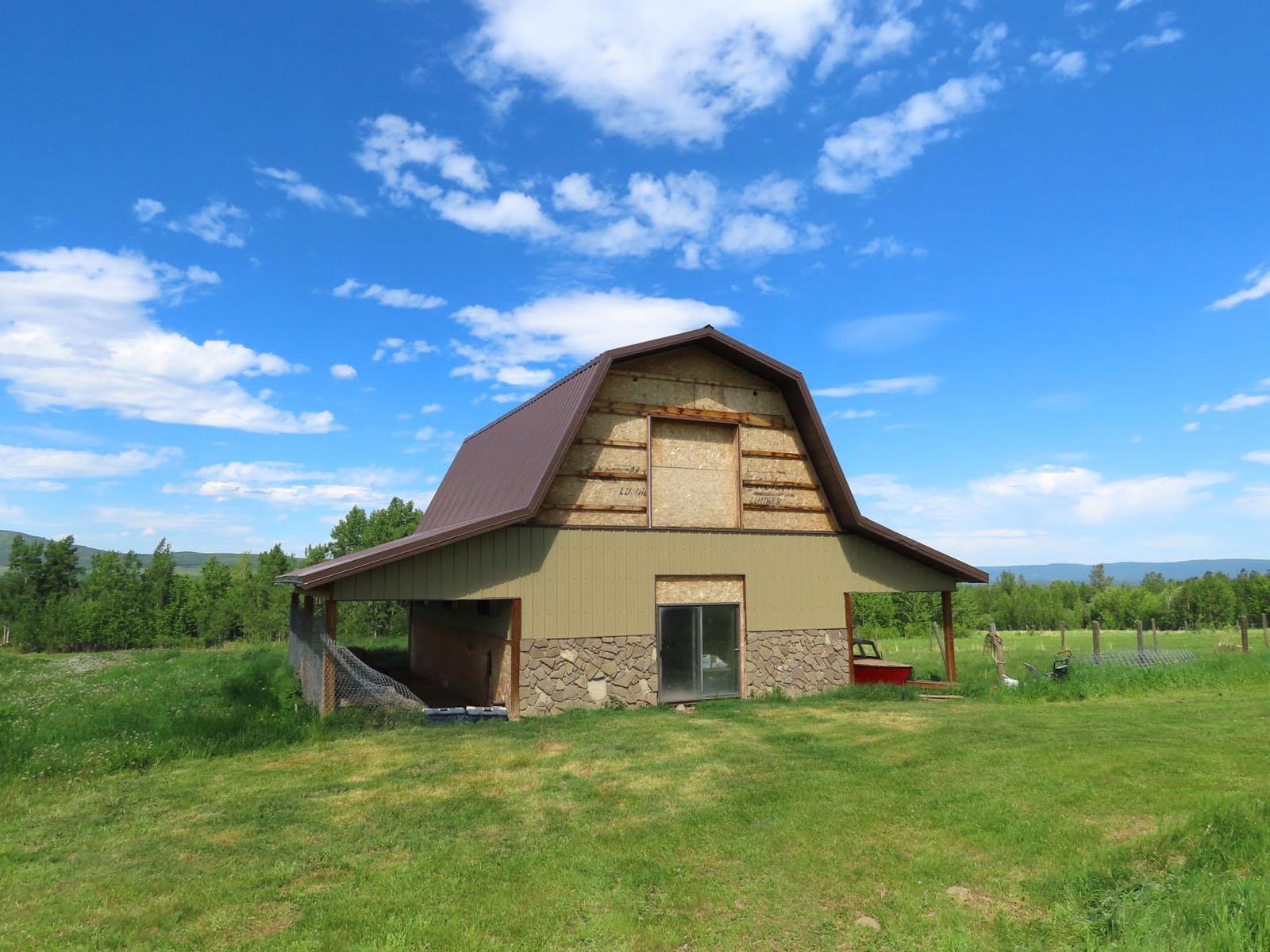 Lone prairie country home 88
