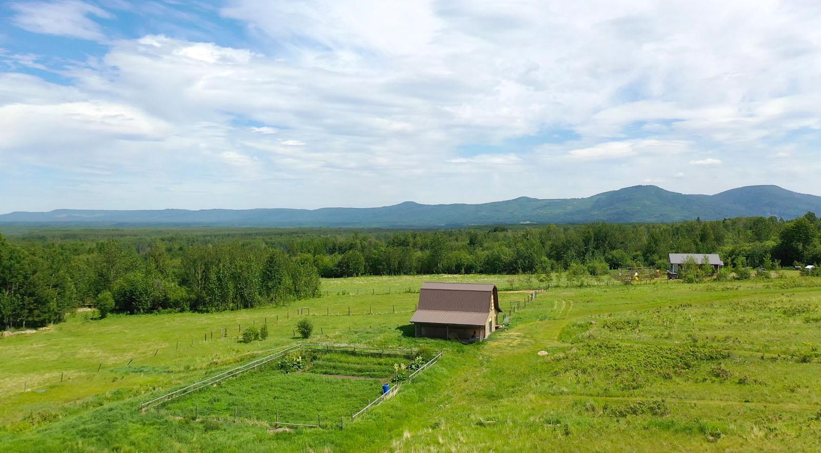 Lone prairie country home 89