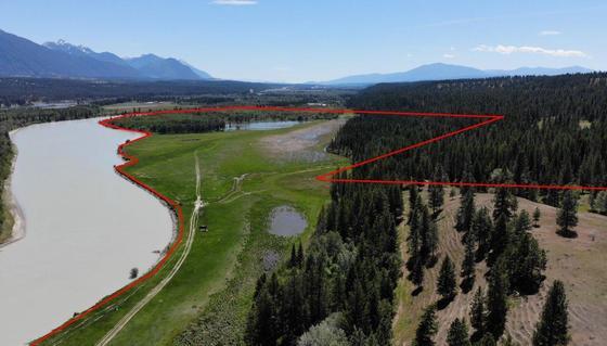 """Scenic Riverfront """"J.D. Ranch"""" - Ta Ta Creek, BC"""