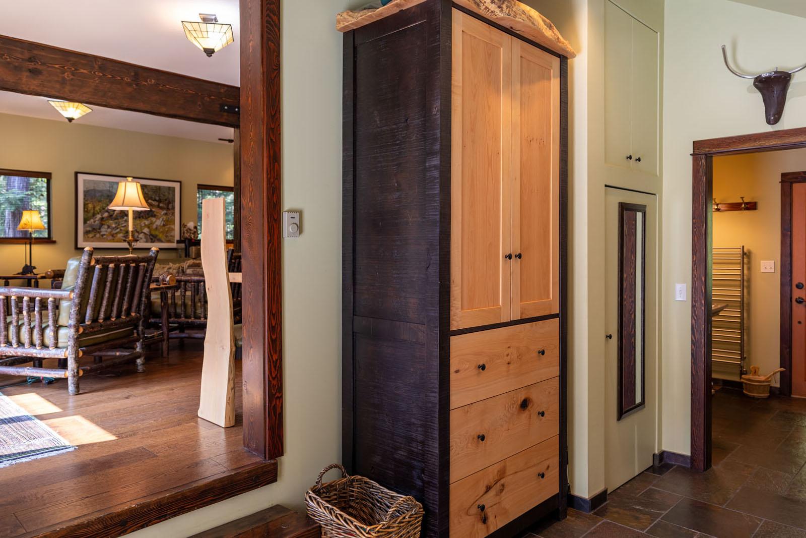 Mount robson log home 14