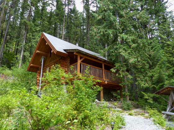 Thumb mount robson log home 24