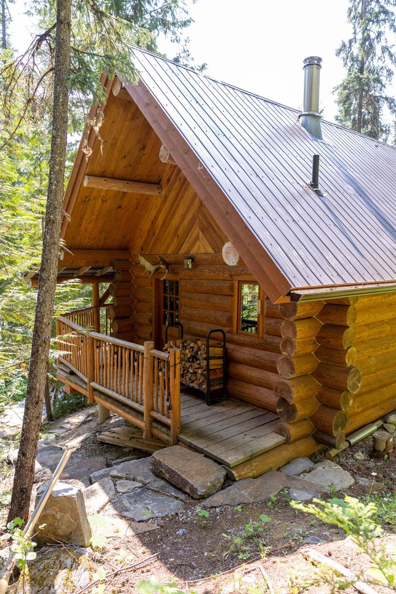 Mount robson log home 25