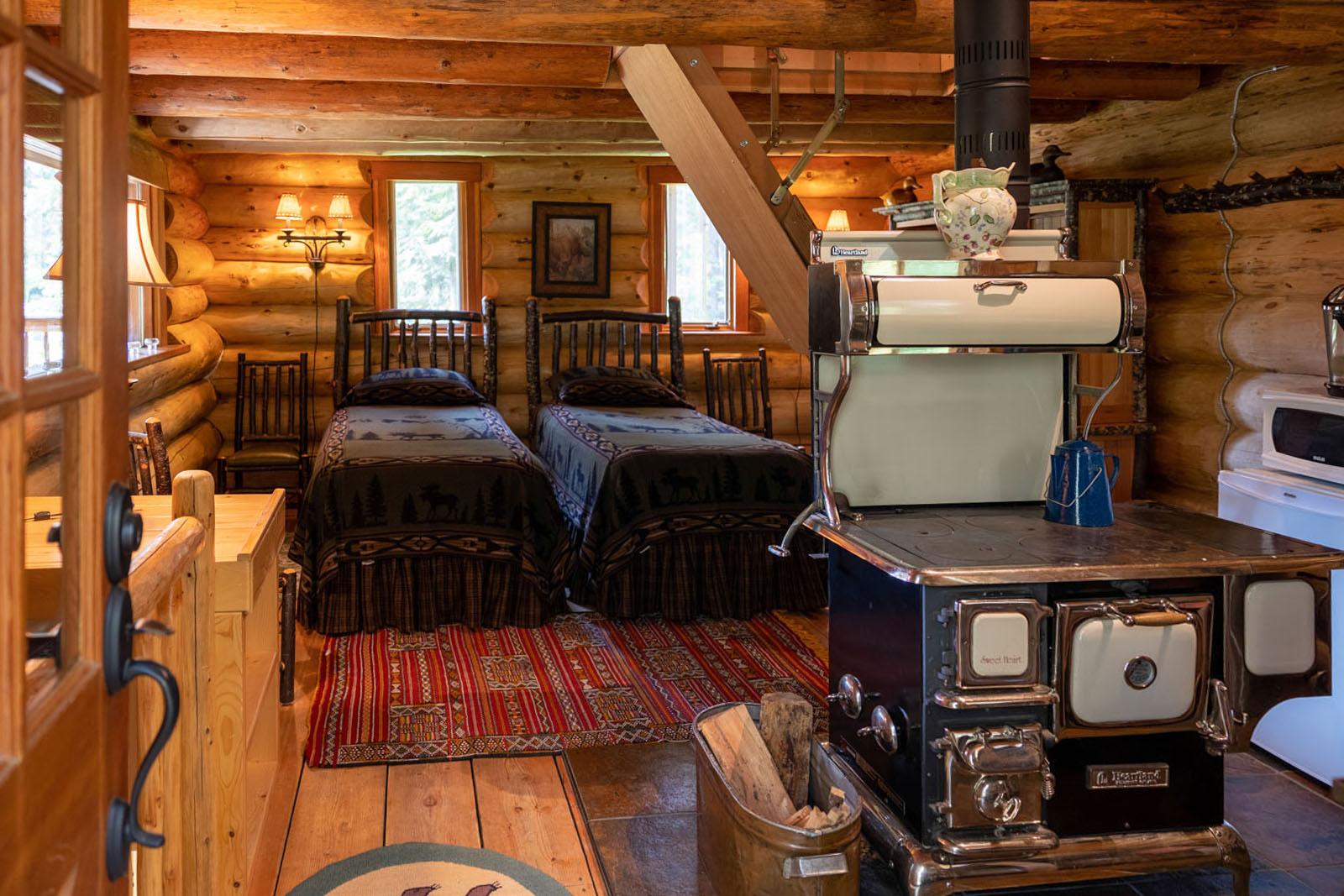 Mount robson log home 28