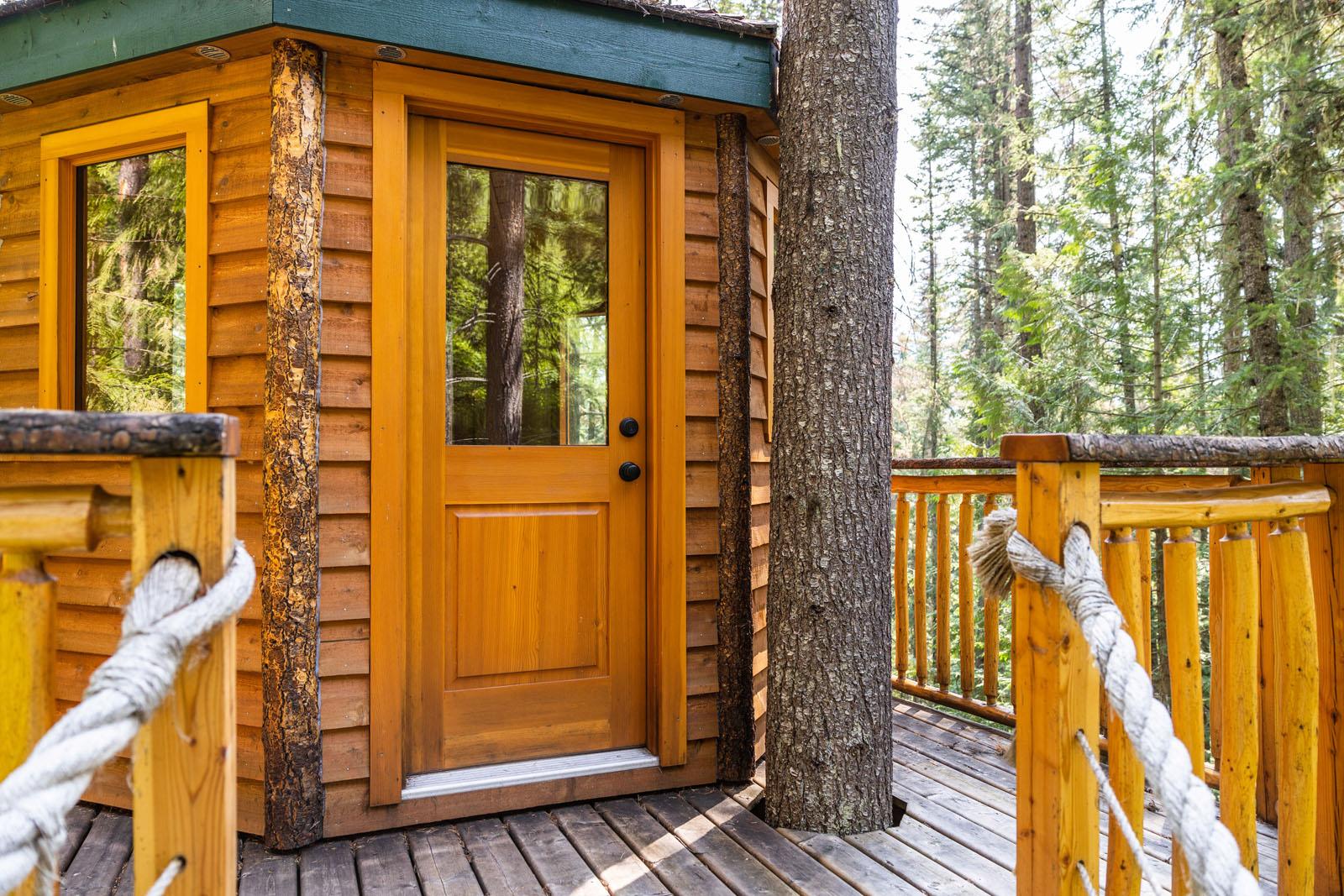 Mount robson log home 35