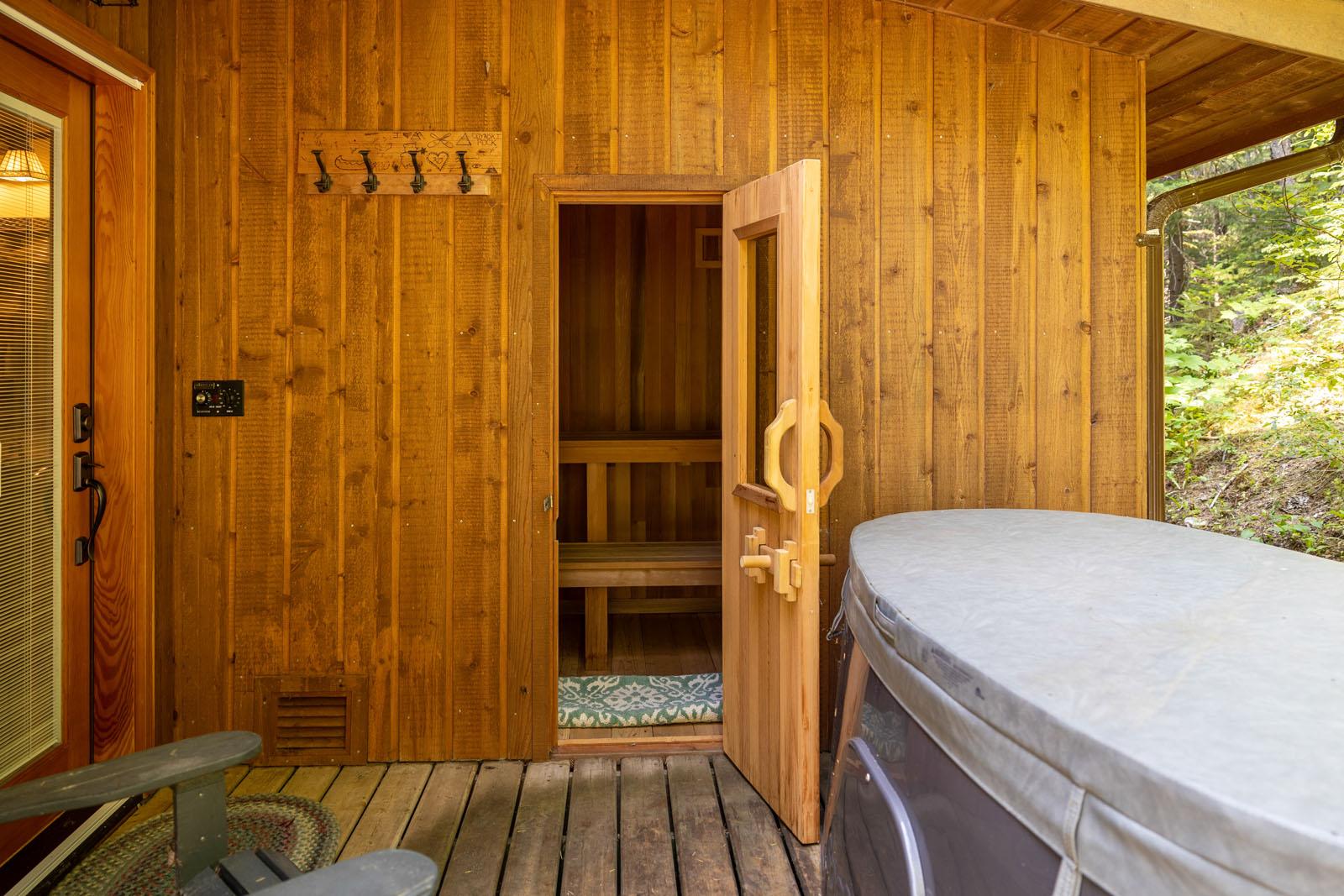 Mount robson log home 37