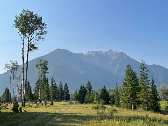 Lakefront Ranch in the Rocky Mountains - White Swan Lake, BC