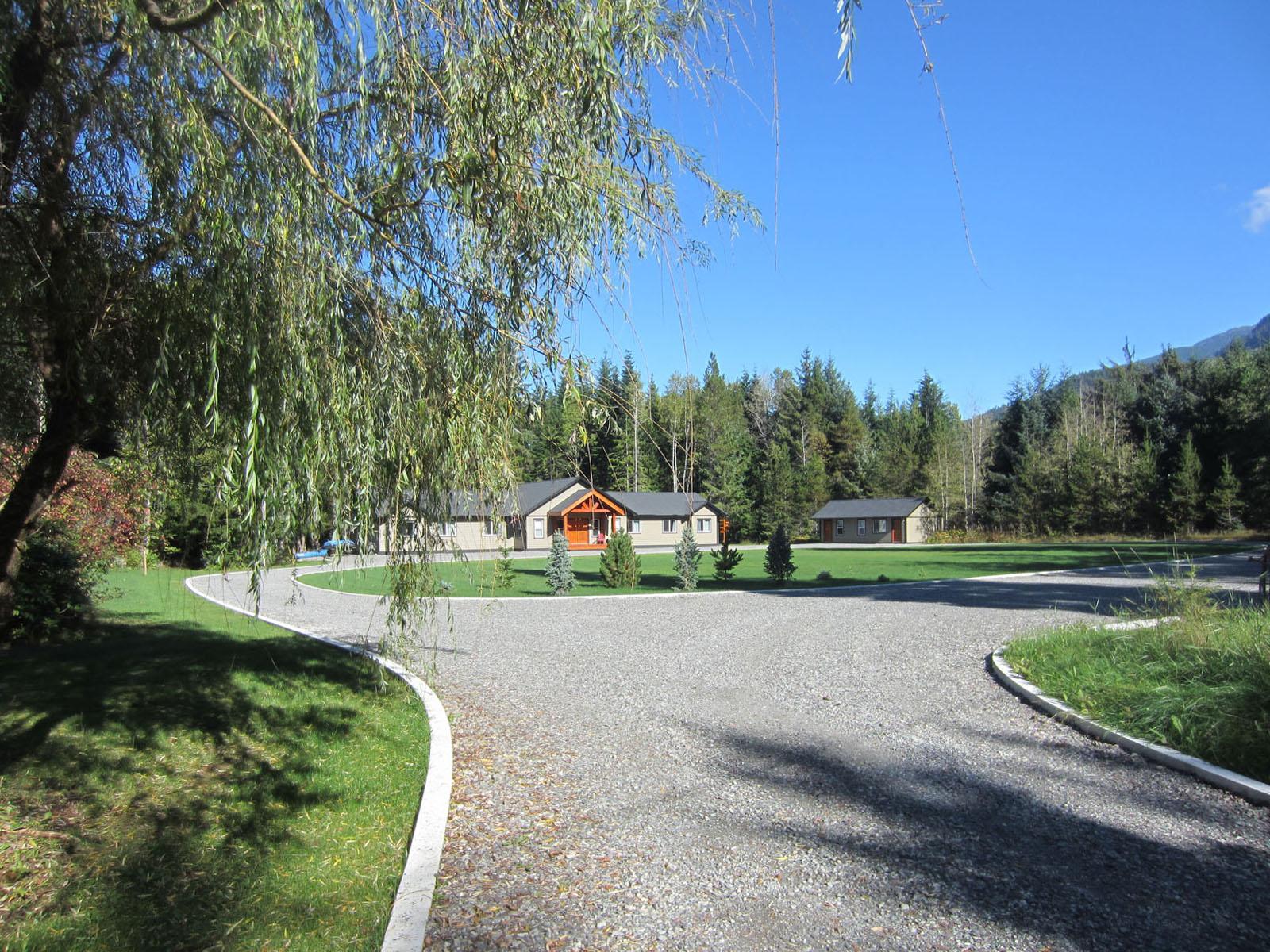 Kalum river lodge 01