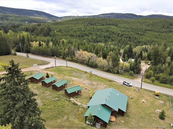 Country Home with 4 Rental Cabins for Income - Princeton, BC