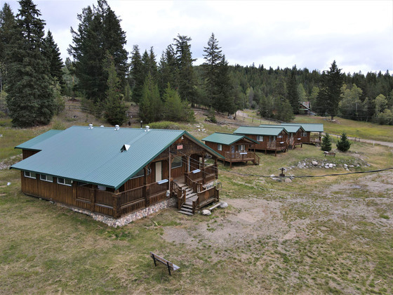 Thumb bankier cabins 05