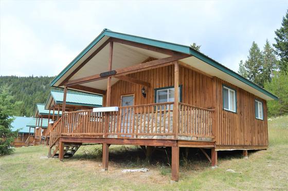 Thumb bankier cabins 22