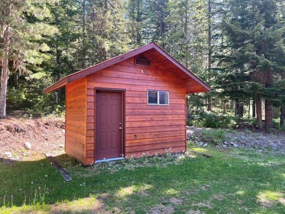 Thumb lake revelstoke estate 30