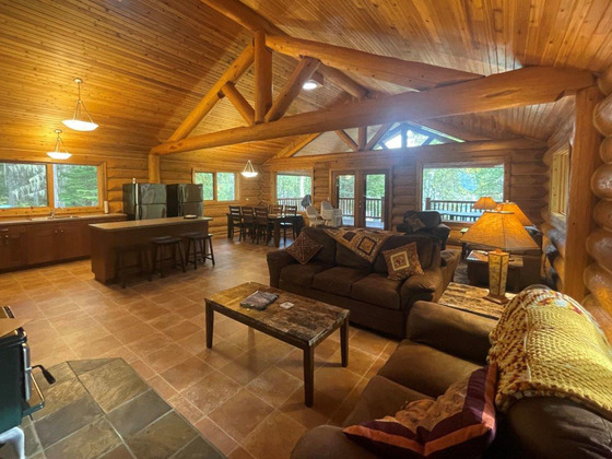Thumb lake revelstoke estate 37